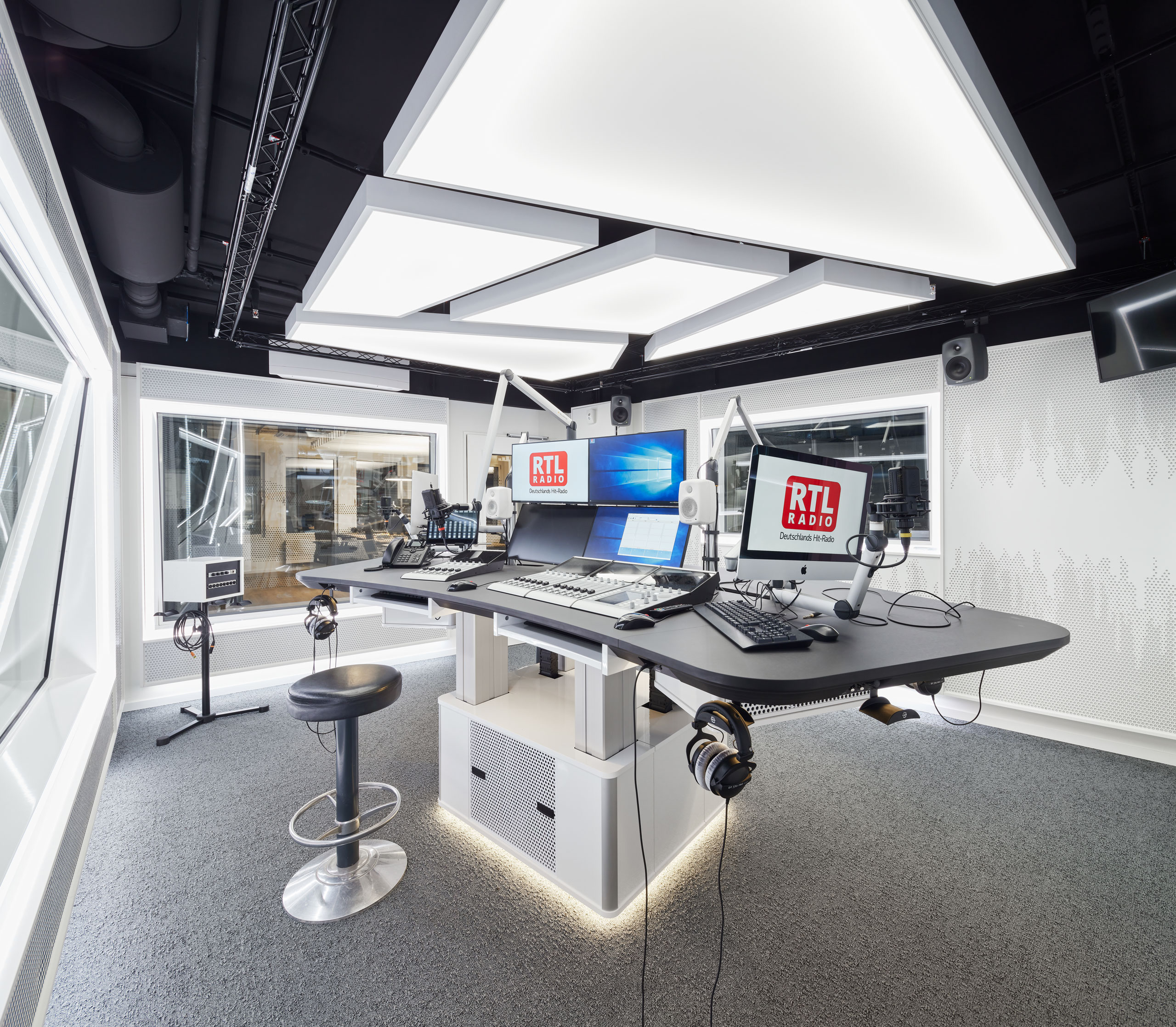 RTL-AUDIOGROUP_6852